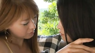 MAI And RYU Lesbo Kiss