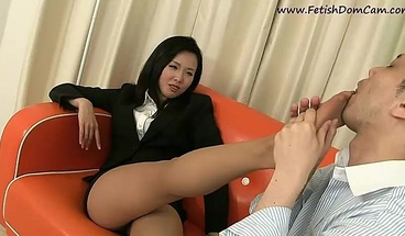 Japanese Femdom Worship. Foot-fetish And Facesitting.